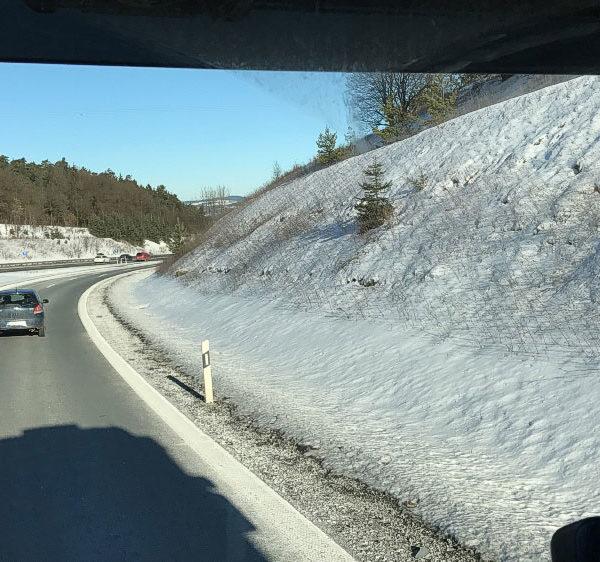 LKW Auffahrt auf die Autobahn